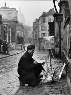 """Painting Sacré-Coeur from the ancient rue Norvins in Montmartre, Paris, Photo by Edward Clark, from """"The Great LIFE Photographers."""" ~KJH~ I remember Montmartre Vintage Paris, French Vintage, Paris 1920s, Vintage Soul, Edward Clark, Fotojournalismus, Fotografia Social, Foto Poster, Robert Doisneau"""