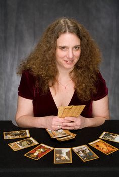 Here's what I wish I had known when I first started my tarot career!