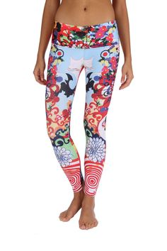 Stand out in our Flora Asia Yoga Pants during your gym workout. These funky workout leggings keep fitness and training fun and upbeat. Shop our gym leggings! Cheap Athletic Wear, Cute Athletic Outfits, Cute Gym Outfits, Athletic Clothes, Work Outfits, Affordable Workout Clothes, Sexy Workout Clothes, Womens Workout Outfits, Fitness Outfits