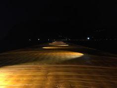 Test notturno per valutare l'illuminazione della passerella, percorribile 24/24h #thefloatingpiers #Christo