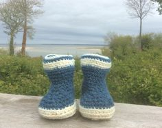 Bottes de laine de la Baie de Somme avec le fameux bleu d'Amiens (pigments tirés de la waide, plante tinctoriale, par l'atelier des couleurs de Méharicourt dans la Somme). Idéales pour traverser la Baie !