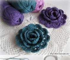 Crochet flowers are so quick and easy to make, they're perfect for beginners. Here are the top 10 free crochet flower patterns to try out!