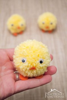 DIY pom pom chicks for Easter in under ten minutes! Great craft for kids to help with! Easy Easter Crafts, Easter Art, Easter Projects, Easter Crafts For Kids, Easy Diy Crafts, Crafts For Kids To Make, Easter Decor, Easter Eggs, Pom Pom Crafts