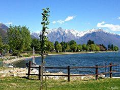 A beach in Dongo, Lake Como | Spiaggia a Dongo, Lago di Como | #lake #Como #Lago #Italy #lakecomoapp #beach