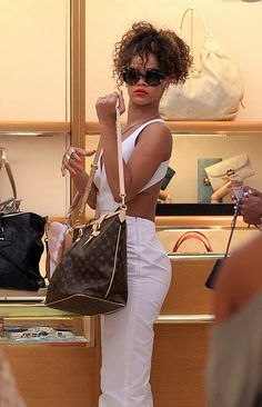 Rihanna loves Louie!