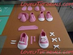 step by step for Baby Sneakers of sugar or gumpaste