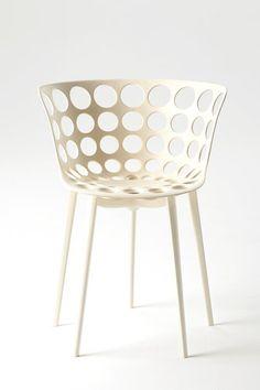 The Arak chair est une nouvelle création de Philippe Starck pour Kartell The Arak chair a été présentée Kartell au Salon de Milan 2013 avec toutes ses créations Kartell est présente dans plus de 1…