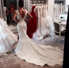 Babyonlinewholesale custom made this sleevelss wedding gowns, v-neck wedding dress in high quality at factory price, offer extra discount and make you the most beautiful one in the party. Wedding Robe, Wedding Dress Train, Dream Wedding Dresses, Bridal Dresses, Wedding Gowns, Bridesmaid Dresses, Dream Dress, Beautiful Dresses, Wedding Inspiration