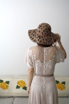 Like the dress - not the hat