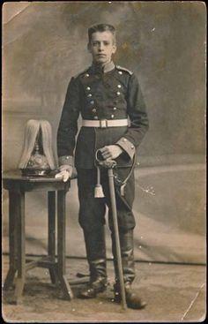 WW1 Imperial German Cavalry Soldier Photo Sword spike helmet
