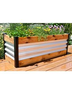 Appealing Metal Raised Garden Beds Stylish Ideas Corrugated Metal And Wood Raised Bed Garden Beds Metal Garden Beds, Garden Boxes, Garden Planters, Fall Planters, Trough Planters, Balcony Gardening, Backyard Fences, Backyard Landscaping, Backyard Ideas