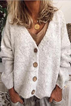 [£ Solid Chunky knit V-Neck Cardigan - VeryVoga Chunky Knit Cardigan, V Neck Cardigan, Loose Knit Sweaters, Sweater Cardigan, Outfits Casual, Fashion Outfits, Womens Fashion, Mode Boho, Vogue Knitting