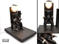 Light died on the electric chair - Portalampade decisamente fuori dal comune