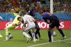 arjen robben june 13 world cup 2014 | World Cup 2014: Netherlands beats Spain as Robin van Persie, Arjen ...