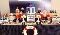 Mesa de doces: tema naútico || nautical dessert tables (via Bloglovin.com )