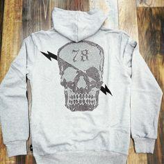 New Model, Hoodies, Sweatshirts, Graphic Sweatshirt, Models, Sweaters, Fashion, Moda, La Mode