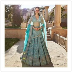 From Deepika Padukone to Alia Bhatt, every girl wishes to wear a Sabyasachi lehenga for a wedding that's not necessarily yours, we would understand. Indian Bridal Outfits, Indian Designer Outfits, Indian Dresses, Indian Clothes, Sabyasachi Lehenga Bridal, Indian Bridal Lehenga, Lehenga Choli, Pakistani Mehndi, Blue Lehenga