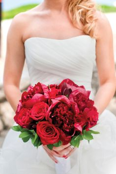 Red rose and peony bouquet Photo: Captured Photography by Jenny