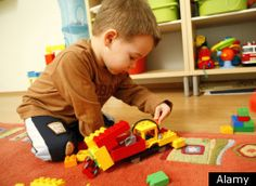 When it comes to living with a child who has autism, educational experts, pediatricians and scientists all have their advice for parents. But who better to bounce ideas off of than other parents of children on the autism spectrum?