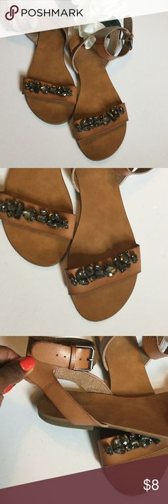 ⚜Mossino Neutral Jeweled Size 10 sandals⚜ Mossino for Target size 10⚜Jeweled tan sandal with flat heel and thick ankle strap⚜in good condition⚜ Missoni for Target Shoes Sandals