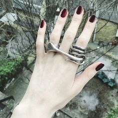 One Size - Fits over three fingers. Fits size range UK J 1/2 (US 5) up to UK size S (US 9).Material - Silver Plated Zinc AlloyFinish - SilverEach ring is made to order, so please allow 3 weeks for your order to be dispatched.If you have any questions at all please check the FAQ's page or send us an enquiry via the contact page, thanks. ___Worn by Luanna Perez-Garreaud and Olivia Emily Harrison