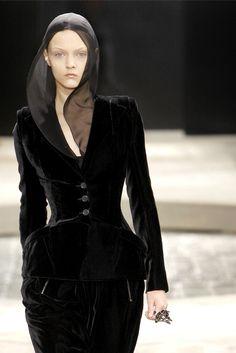 hautekills:  Givenchy haute couture f/w 2009