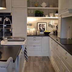 Love this kitchen credit @malinjanine