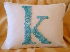 diy pillow button crafts-- some things to do with Eva's button collection! Monogram Pillows, Diy Pillows, Letter Pillow, Making Throw Pillows, Diy Monogram, Decorative Pillows, Button Art, Button Crafts, Monogram