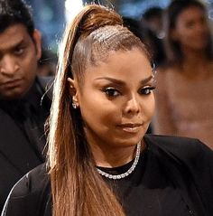 Miss Jackson! I am forreal. The youngest daughter of the Jackson Family legacy takes a break from the Unbreakable Tour to build her family lineage. Janet Jackson, Hair Fair, Popular People, Jackson Family, Beautiful Goddess, Celebrity Babies, Pop Singers, Vogue Fashion, Slammed