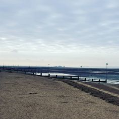 A calm clear morning on the estuary today. Not a lick off breeze.  #seasideliving #morningwalk #southend #westcliffonsea