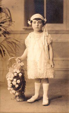 1927 flower girl