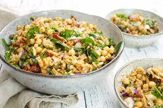 Ein mediterraner Grünkern-Kichererbsen-Salat ist ein gutes Beispiel dafür, warum alte Getreidesorten gerade im Trend sind. Wenn Ihr Grünkern noch nicht ausprobiert habt solltet Ihr das schnell nach…