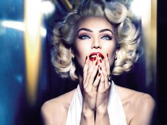 Candice Swanepoel versão Marilyn Monroe para Max Factor