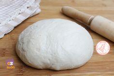 La pasta matta è una ricetta base semplicissima per preparare basi per torte salate ma anche schiacciatine al forno e tutto quello che vi viene in mente