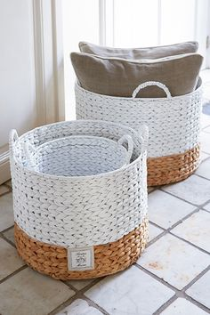 Home details . Paper Basket, Basket Bag, Rivera Maison, Basket Crafts, Diy Embroidery, Recycled Crafts, Basket Weaving, Wicker Baskets, Decoration