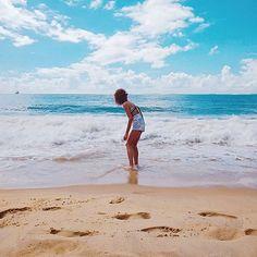 """Vídeo SUPER especial no ar: """"Leveza de Espírito e Sustentabilidade - Folia Natural em QUALQUER época do ano"""" em YouTube.com/KarinaViegaAB (link no perfil 😉) Leveza. Alegria. Respeito. Confira dicas para atingir Leveza de Espírito e aproveitar de forma Sustentável as celebrações (no Carnaval, ou em qualquer outra data). E NÃO se esqueça de dividir comigo como é o SEU carnaval – quer seja no campo, praia, cidade, ou em casa descansando. Publique uma foto com as hashtags #carnavalnatural e…"""