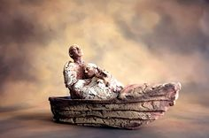 pink - boat with couple - figurative sculpture - Tinka Jordy