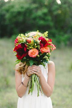 Fall wedding colors | ©Elisabeth Carol Photography