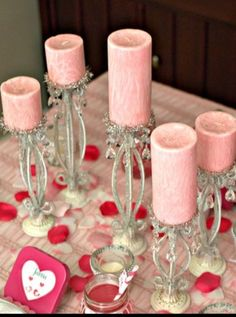 Pink Valentine's Day table setting ideas : pink candles on candle stick holders. Valentines Day Activities, Valentine Treats, Valentines Day Party, Valentine Day Crafts, Valentine Decorations, Little Valentine, Valentine Day Love, Funny Valentine, Glow Stick Wedding
