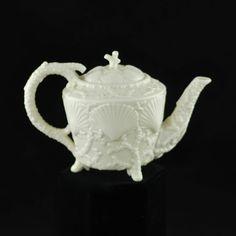 Century Belleek Footed Shell Porcelain Teapot, Second Period 2 - White tea pot Porcelain Dinnerware, Porcelain Ceramics, China Porcelain, Painted Porcelain, Belleek Pottery, Pottery Teapots, Belleek China, Teapots And Cups, Teacups