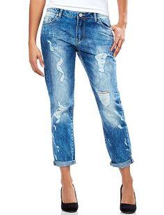 Jeans boyfriend Un effetto usurato piuttosto pronunciato per un look assolutamente casual!  Prezzo: 15€