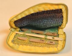 Dalby stitch (insert): zippered needle case (Nålbundet nålbrev) by kristinnitsirk at ravelry.com