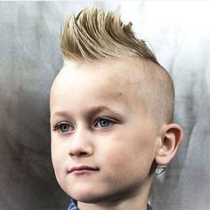 Mohawk with Shaved Sides Cool haircuts for boys Popular Boys Haircuts, Boy Haircuts Short, Cool Boys Haircuts, Little Boy Hairstyles, Haircuts For Medium Hair, Mohawk Hairstyles, Trendy Haircuts, High Skin Fade, Boys Mohawk
