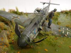 """Shot down pilot"" 1/32 scale. By Sergey Kovalev. REVELL Messerschmitt Bf 109G-6 #WW2 #Luftwaffe #warbirds #scale_model #vignette #diorama - DetailScaleView"