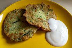 Fokhagymás sajtos cukkini Sin Gluten, Zucchini, Pork, Chicken, Breakfast, Recipes, Projects, Glutenfree, Kale Stir Fry