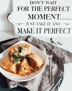 Gołąbki wegetariańskie - najlepszy przepis w całym internecie! Recipies, Vegetarian, Lunch, Chicken, Meat, Ethnic Recipes, Food, Montessori, Bulgur