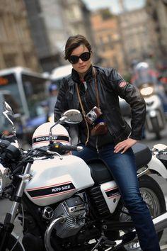 Motorcycle girl. Moto Guzzi V7 Classic.                                                                                                                                                                                 Mehr