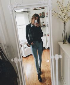 Been really into streetstyle lately…with that said i'm wearing american apparel easy jeans & jean collared shirt, brandy sweater and leather jacket, with french connection ankle boots