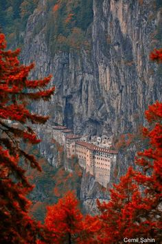 New Destinations The Sümela Monastery Maçka/Trabzon/Turkey . Places Around The World, The Places Youll Go, Places To See, Around The Worlds, Wonderful Places, Beautiful Places, Beautiful Pictures, Magic Places, Beautiful World