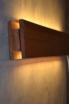 Деревянный интерьерный светильник Indirect Lighting, Strip Lighting, Bedroom Lighting, Home Lighting, Led Diy, Wall Candle Holders, Handmade Lamps, Roof Light, Wood Lamps